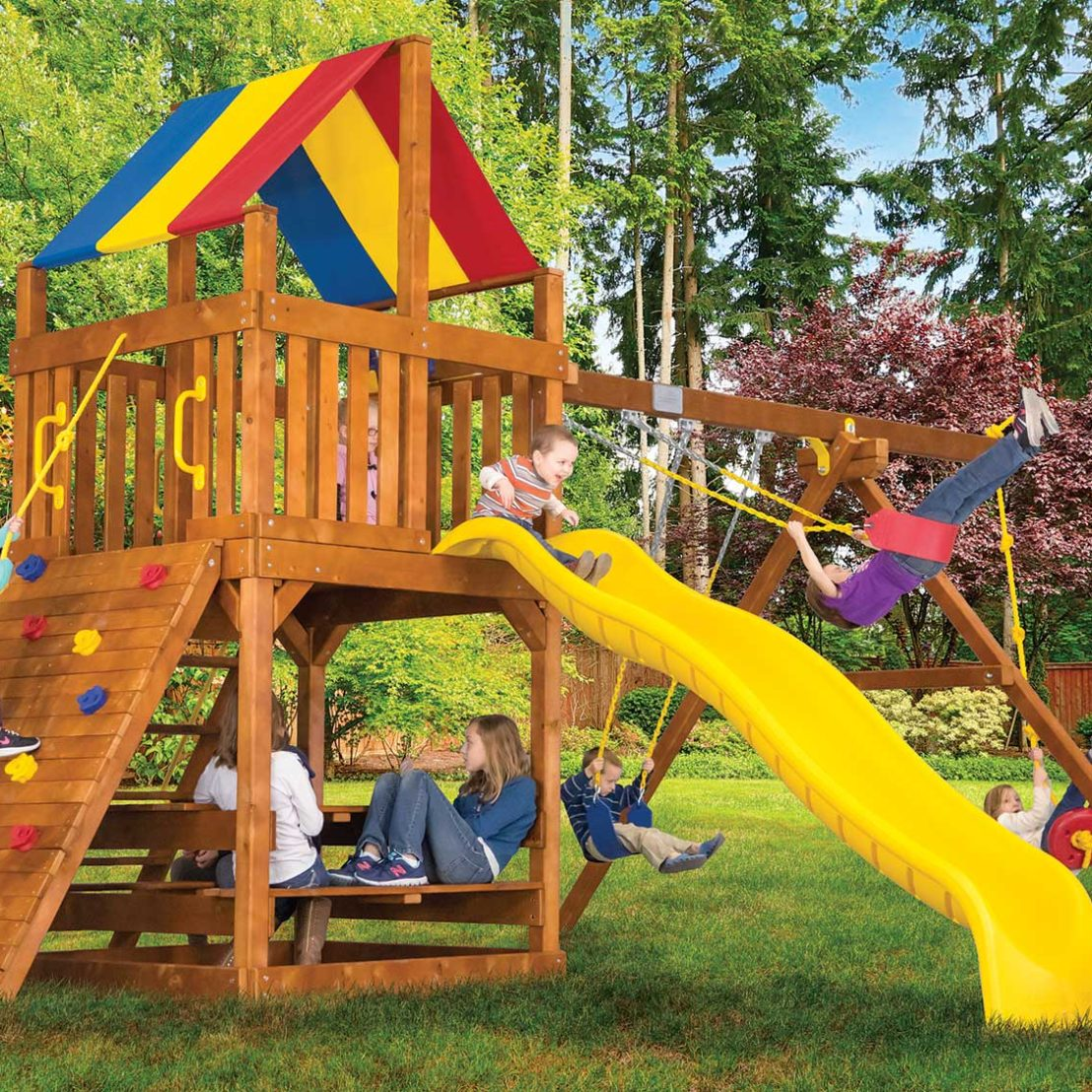 Fiesta Feature Clubhouse Pkg II Wooden Swing Set