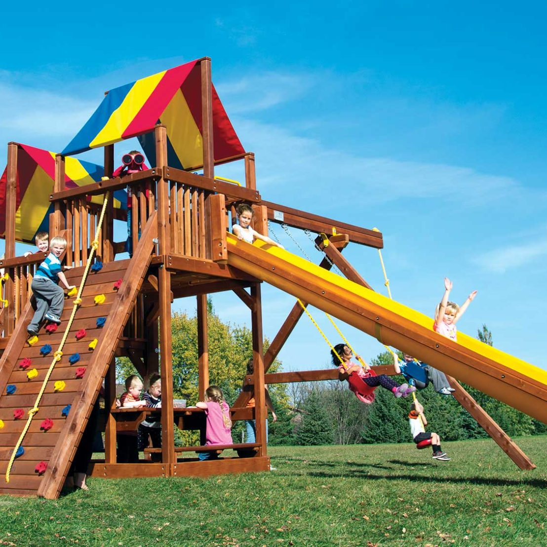 King Kong Feature Clubhouse Pkg II Wooden Swing Set