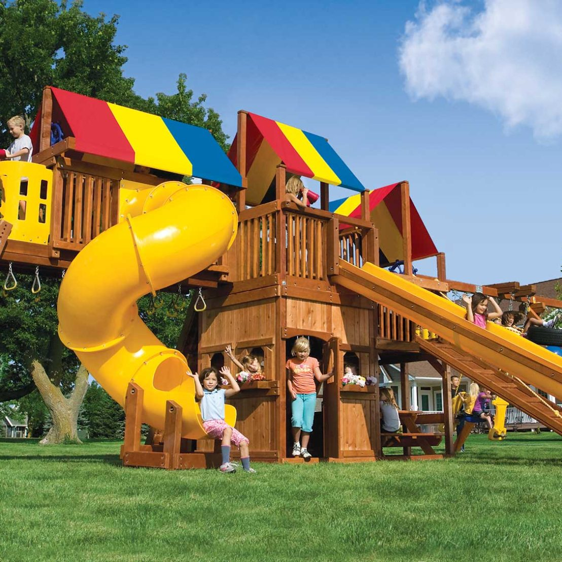 King Kong Clubhouse Pkg V Ginormous Wooden Swing Set