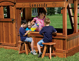 157 Lemonade Stand with Stools Clubhouse